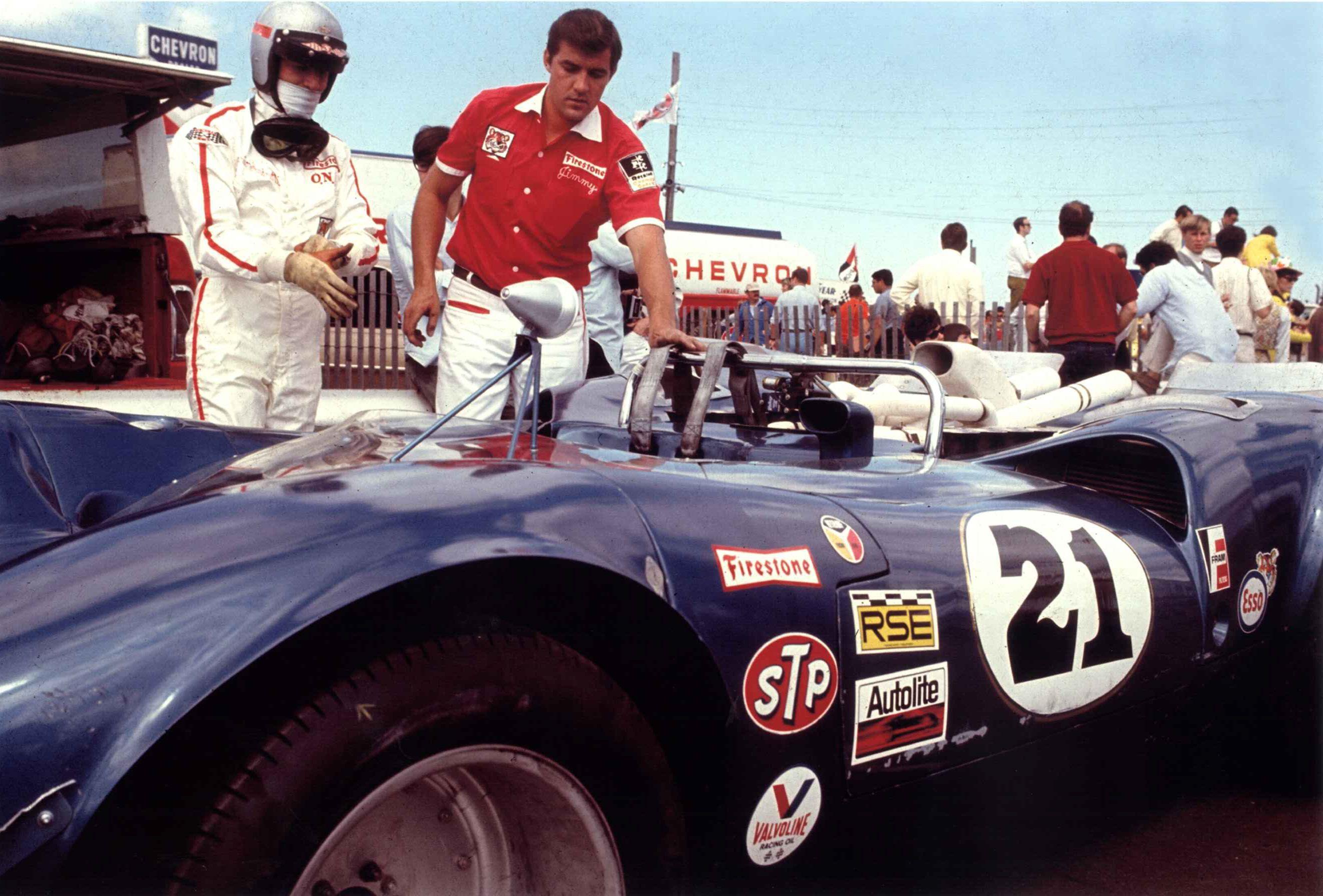 Mario Andretti Lola T70 Mk 3 Ford Bignotti Enterprises