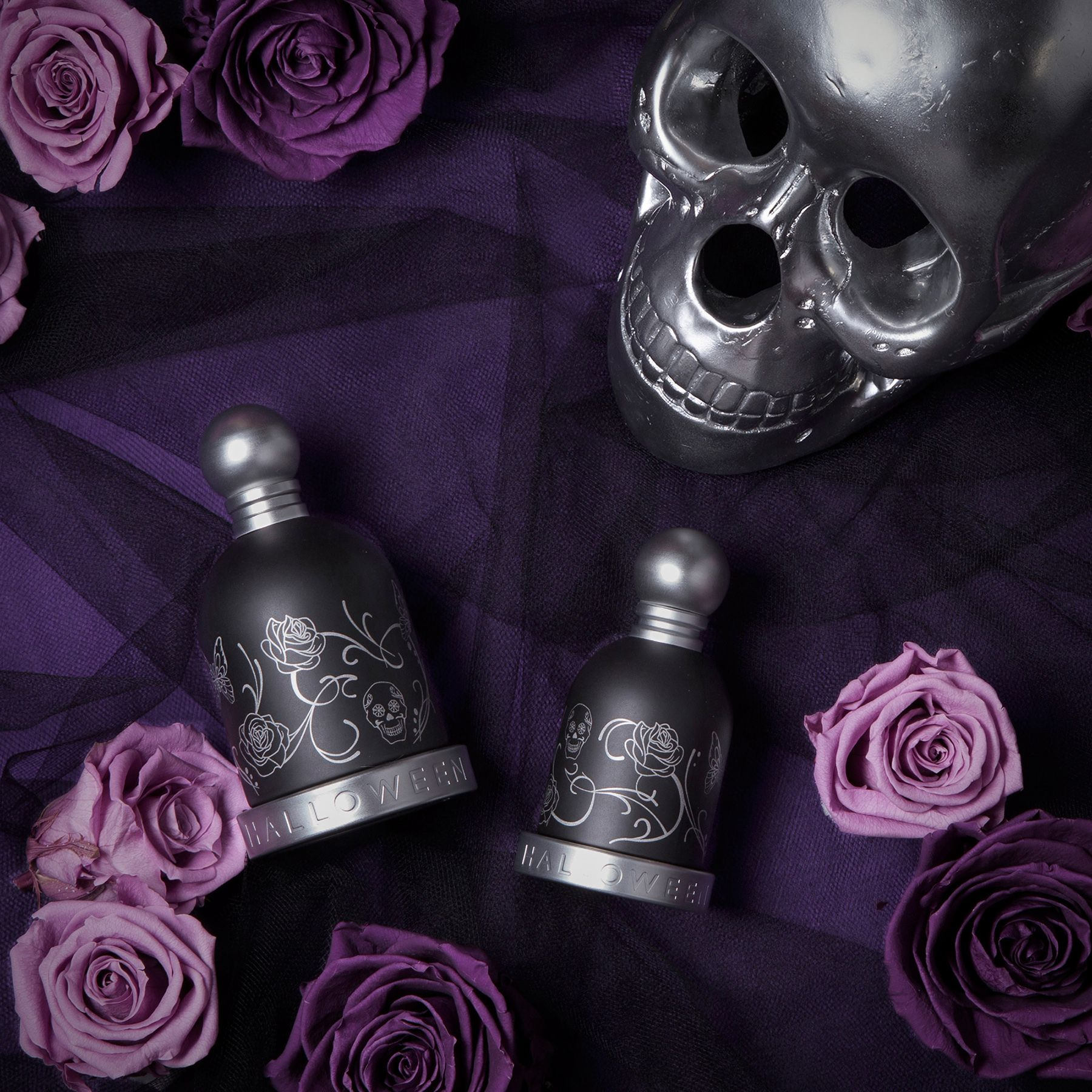 Nézegetnél tetovált parfümösüveget a polcodon? Nyerd meg