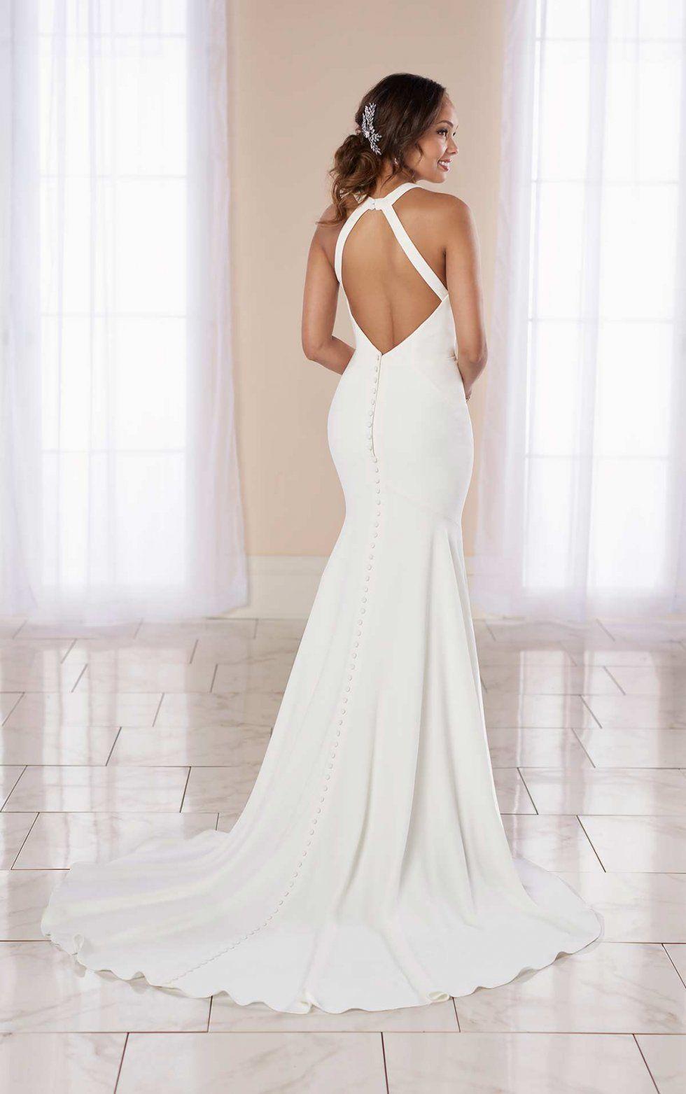 Modern Halter Bridal Gown With Center Plunge Detail Stella York Wedding Dresses In 2020 Halter Bridal Gown Stella York Wedding Dress York Wedding Dress