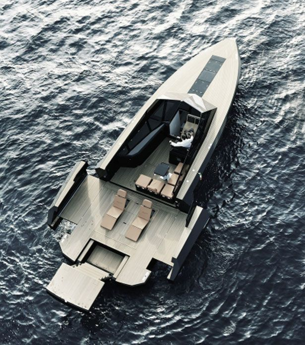 Evo 43 Expandable Yacht by Blu Martin