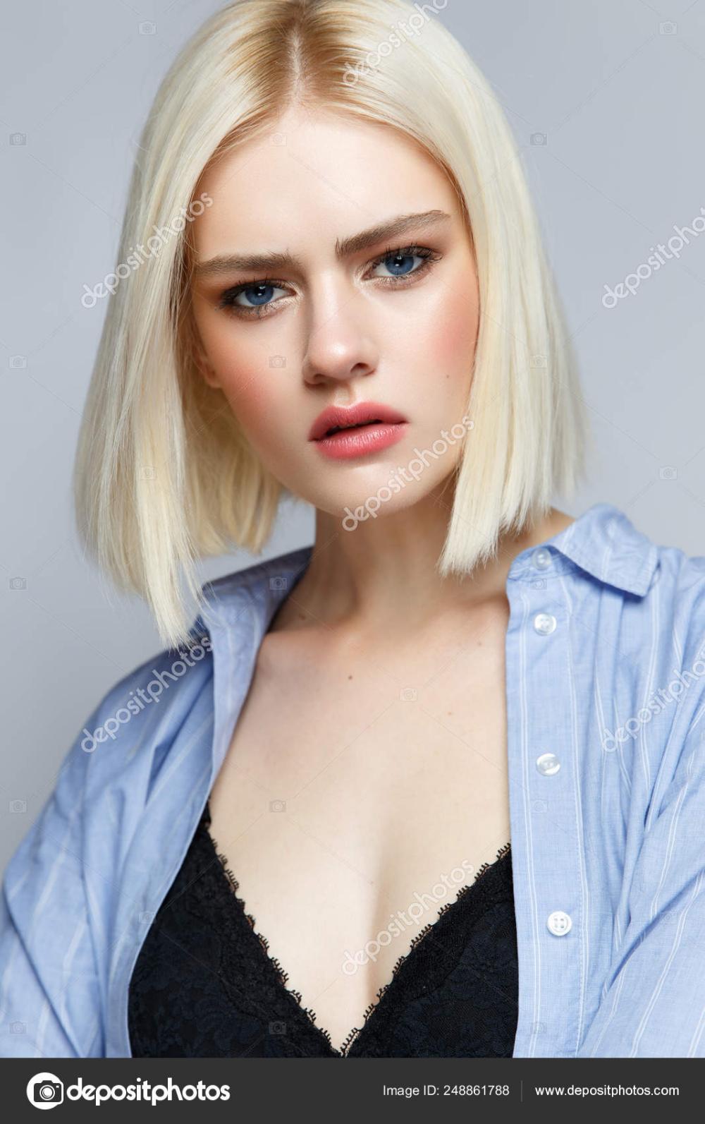 девушки модели в светлый