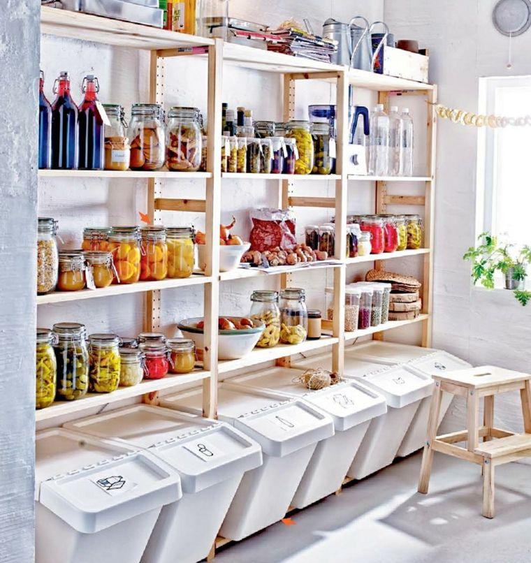 Soluzione storage cucina arredamento mobili legno for Scaffali per dispensa