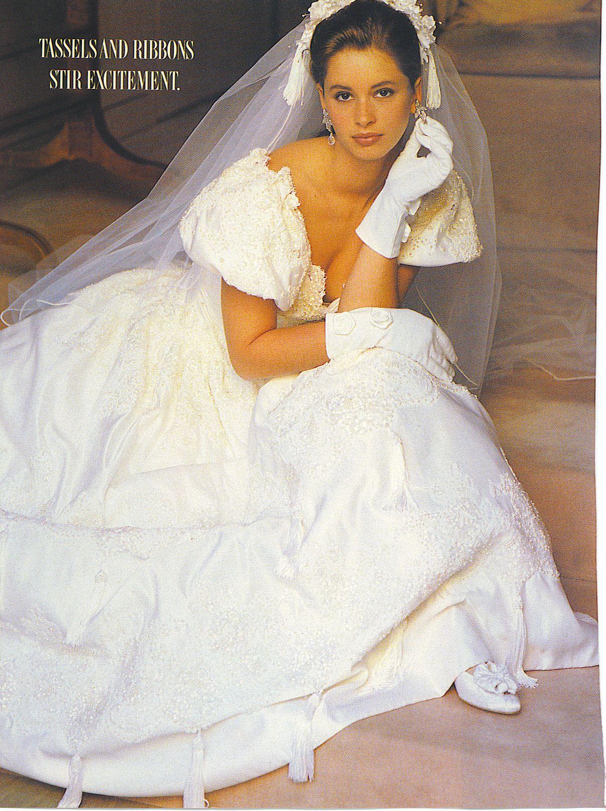 Ungewöhnlich Altmodisches Brautkleid Fotos - Hochzeit Kleid Stile ...