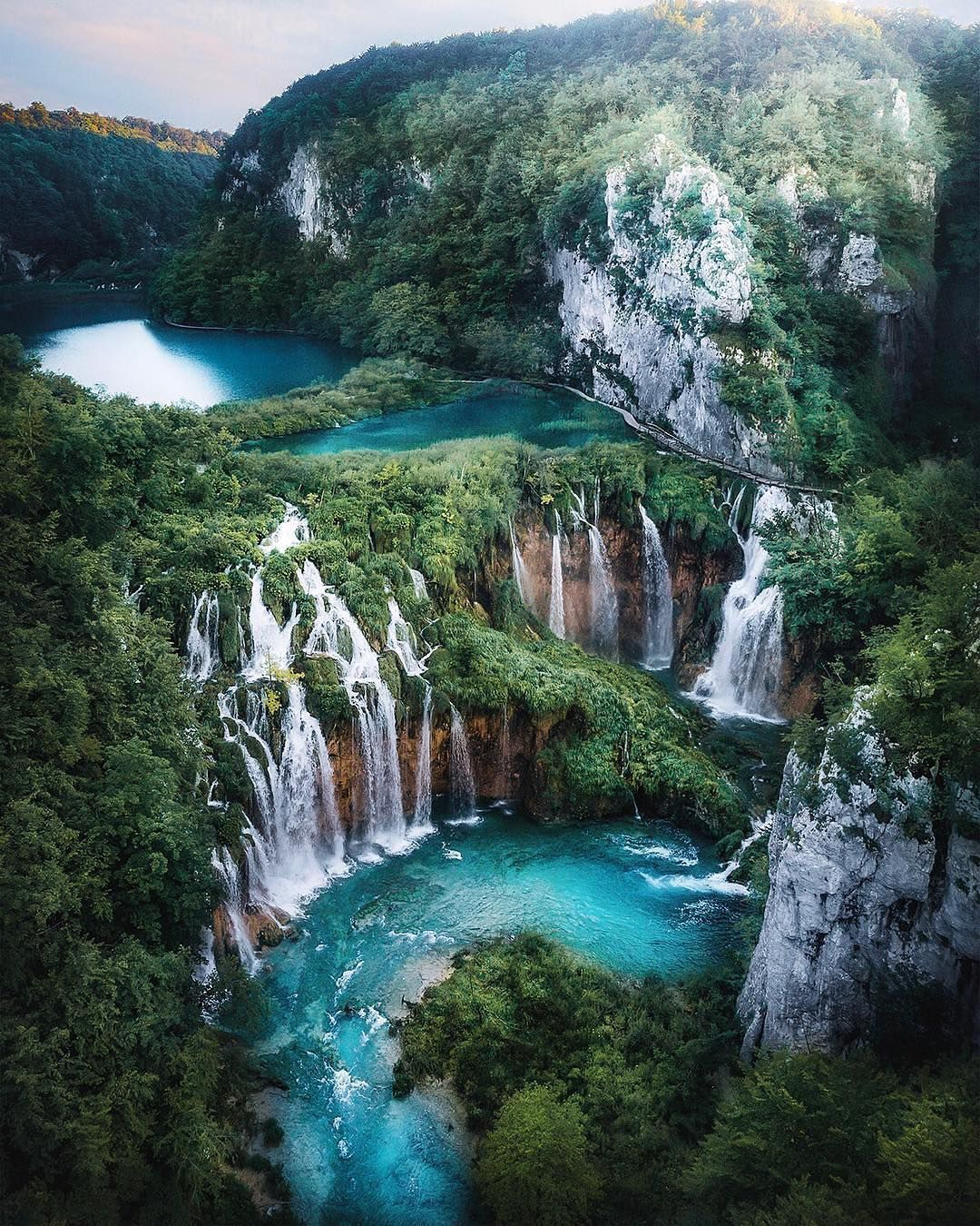 Amazing Waterfalls Plitvice Lakes Croatia Eyes Abroad Tag Who You D Like To Get Los Beautiful Landscape Photography Beautiful Landscapes Waterfall
