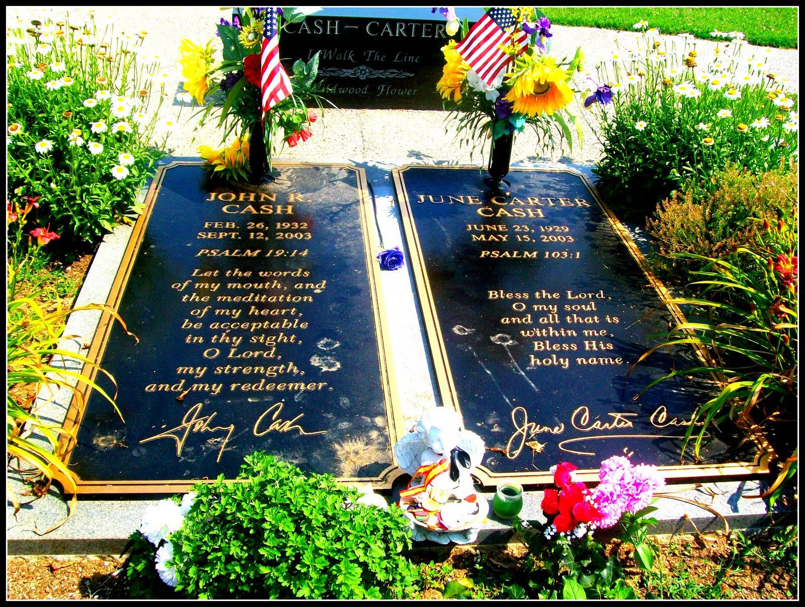 Grave Markers for Johnnie & June Carter Cash
