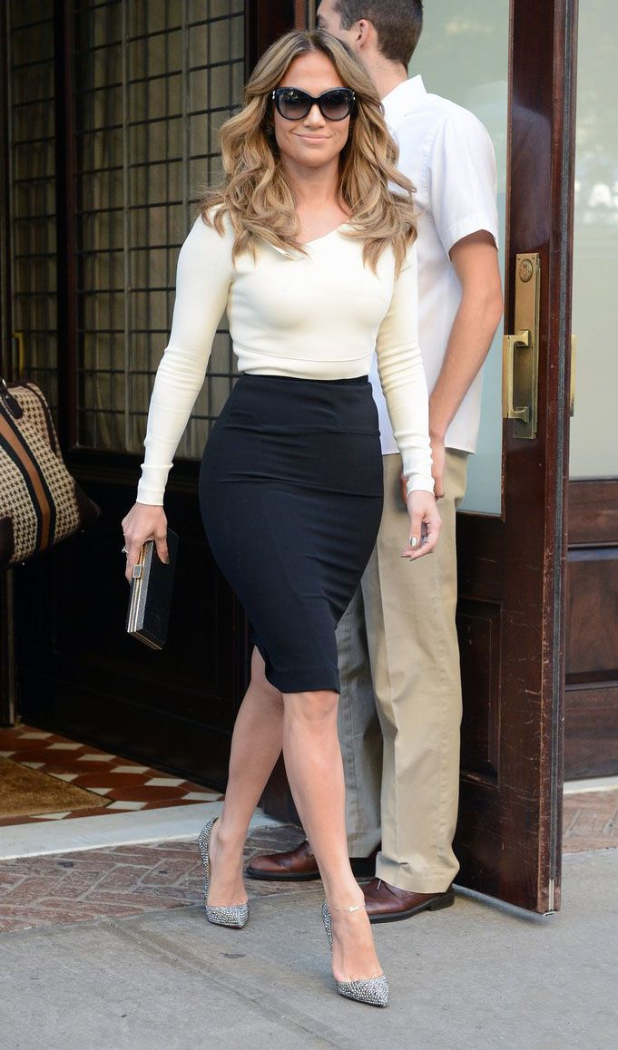 Jennifer Lopez Sleek sexy curves. Street style Fashion  810146bccde