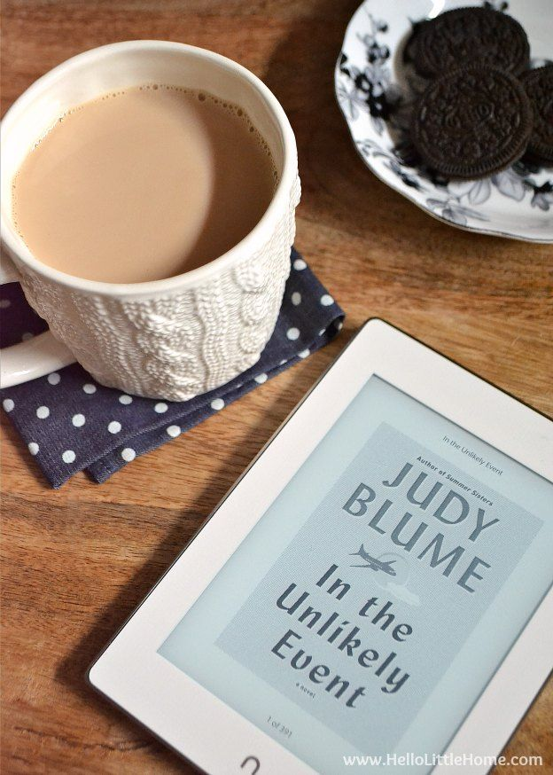 Relaxing with a cup of Sweet Cinnamon Milk Tea and the NOOK GlowLight Plus! | Hello Little Home