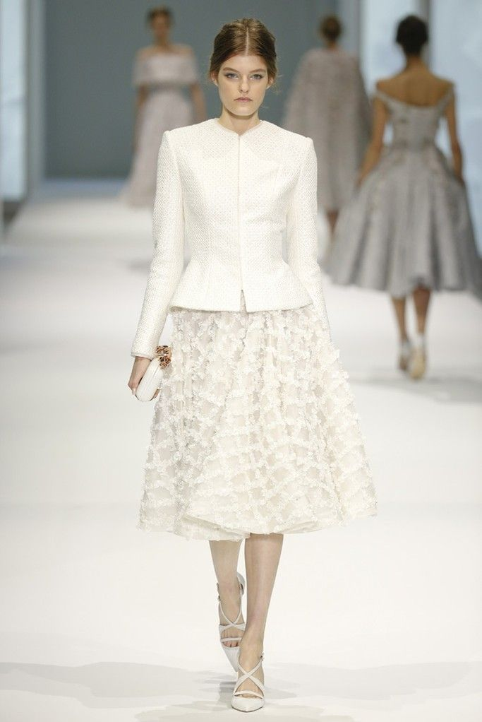 Ralph & Russo Couture Spring 2015 - Slideshow - Runway, Fashion Week, Fashion Shows, Reviews and Fashion Images - WWD.com