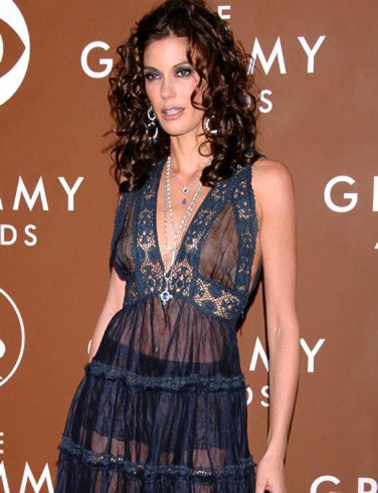 Top 35 Des Stars Qui Ont Un Jour Ose Porter Des Robes Transparentes Red Carpet Outfits Teri Hatcher