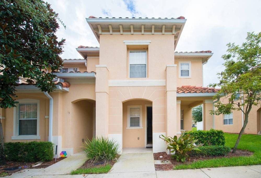 Entire Home Apt In Kissimmee United States Sleep Number Bed In Master Bedroom Beautiful Townhome In A Gated Commun Townhouse For Rent Townhouse House Styles