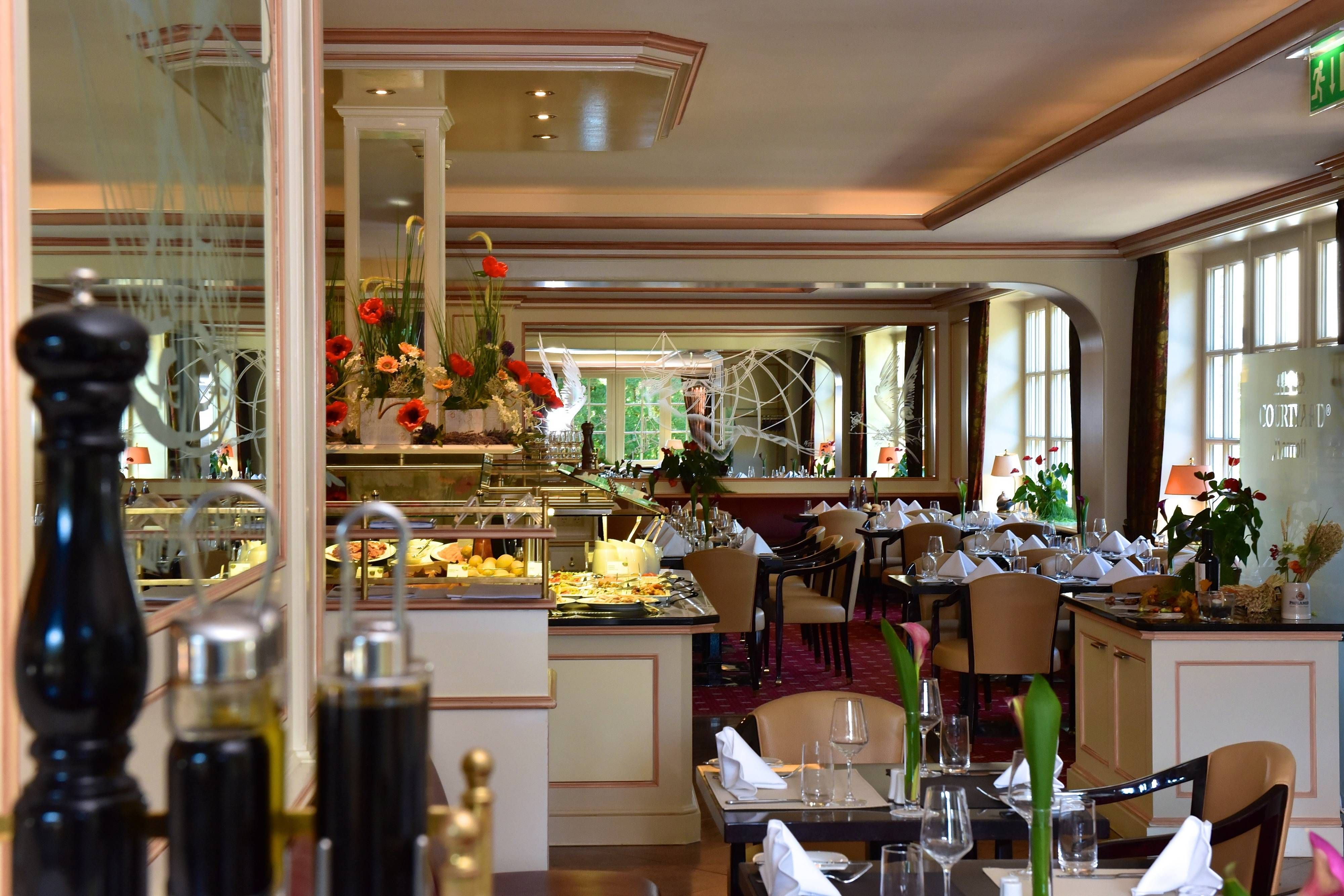 Courtyard Hamburg Airport Restaurant Concorde #Enjoy, #Traveling, #Rooms,
