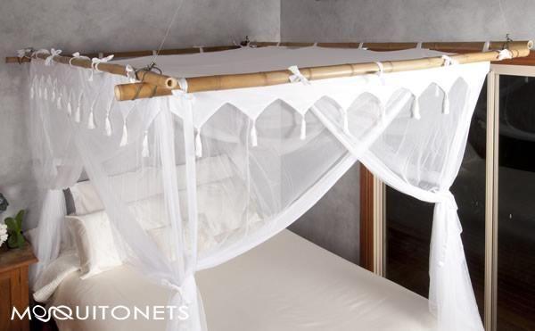 mosquito net bed canopy bungalows pinterest moustiquaire moustiquaire de lit et ciel de lit. Black Bedroom Furniture Sets. Home Design Ideas