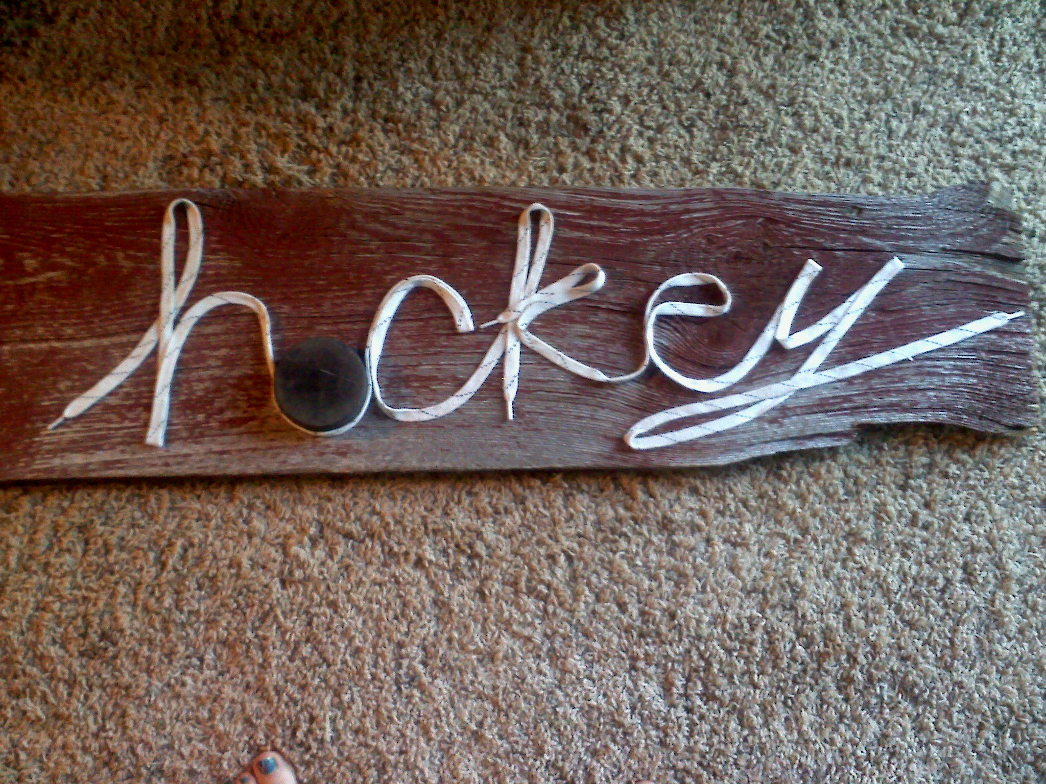 Boys hockey bedroom ideas - Something Fun With My Son S Old Hockey Laces