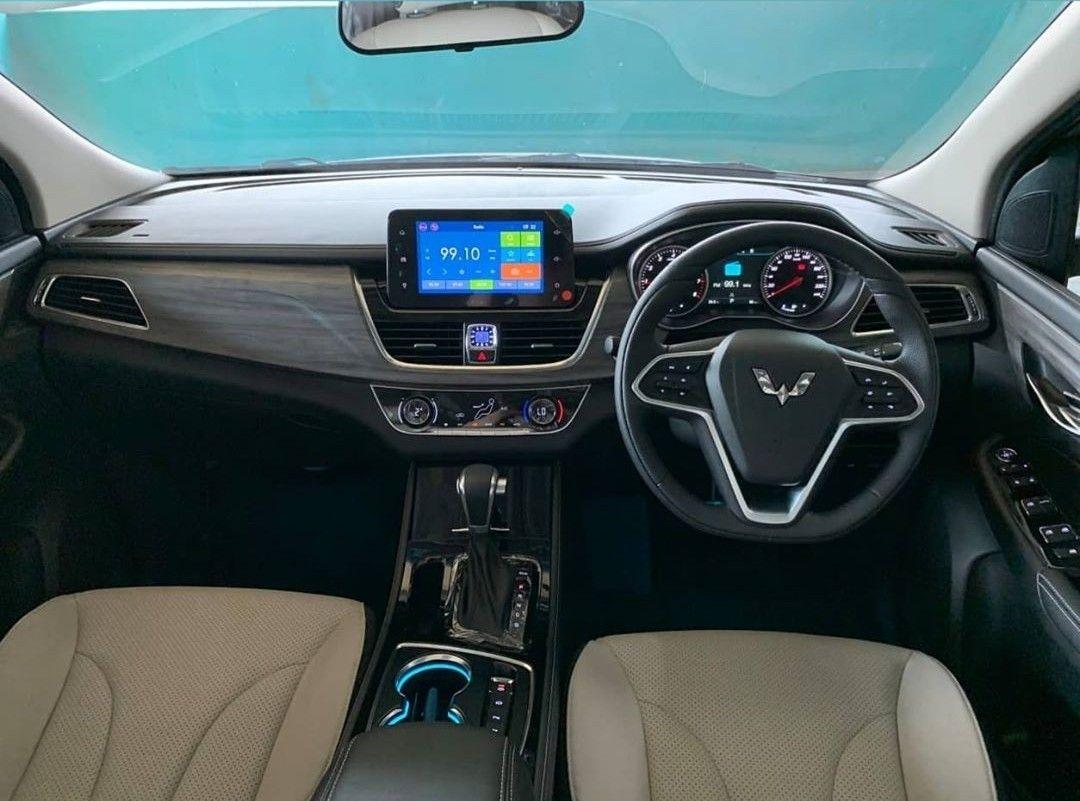 Interior Wuling Cortez Turbo Mobil Baru