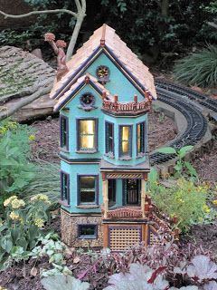 Star Song Studio: A Visit to Morris Arboretum A Victorian reproduction in miniature adn a train! What more could one ask for?