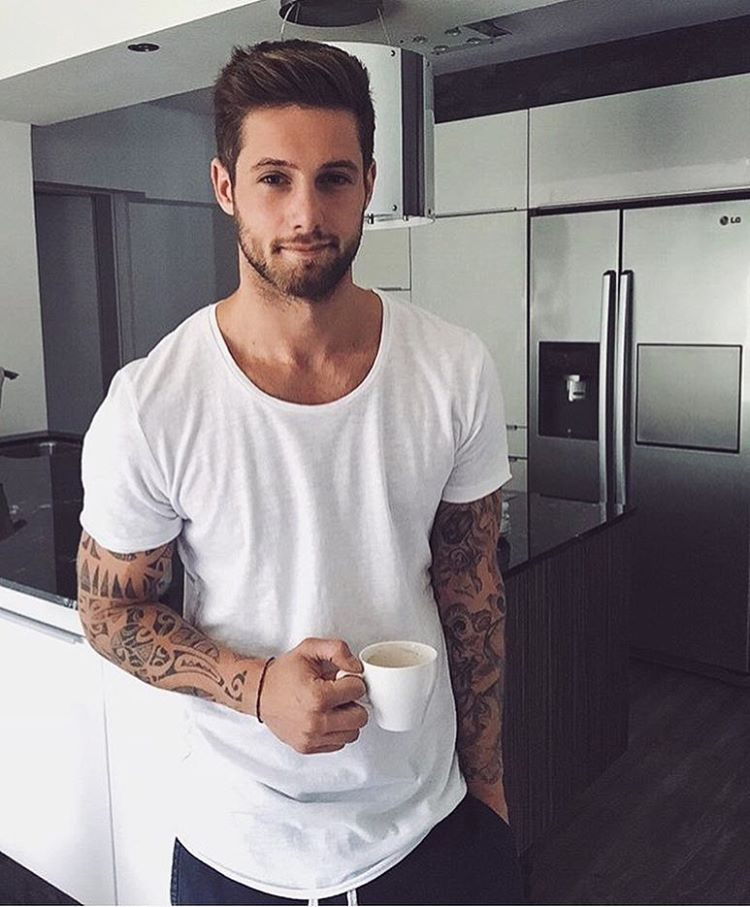 Instagram | Hot in 23 | Coole männer frisuren, Männer ...