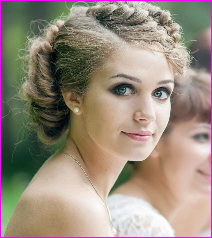 for Curly Hair & Round Face 2019 | Short wedding hair, Short curly haircuts, Formal hairstyles