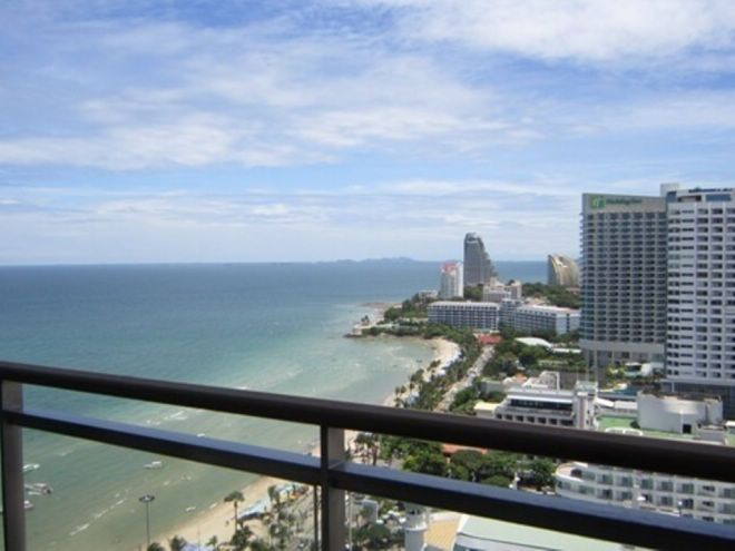 NORTHSHORE PATTAYA, 2BEDROOMS, FULLY FURNISHED Sale Price: 12.750,000.-THB. 112 Sq.mt. 2 beds 2 baths, living room, kitchen, storeroom. 2 sea view balconies, European kitchen, fully furnished with a build in closets, 42 inch flat screen TV. Washer/Dryer Combo, Refrigerator, Oven, Microwave, 3 Air conditions. All cooking and cleaning utensil's included, ready to move in. Telephone line, Internet line, UBC TV ready, free in-house cable TV, Free Wifi.