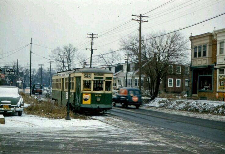 PTC Rt.26 trolley on Oxford near Bleigh Historic
