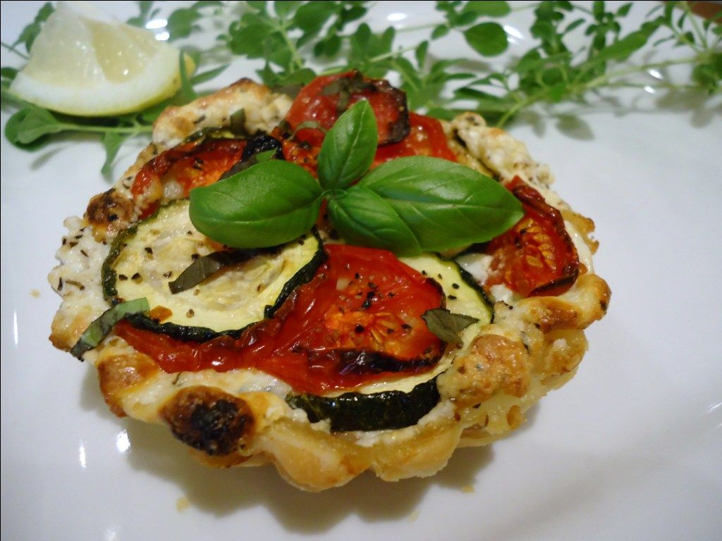 Tomato, Zucchini and Ricotta Tarts: Menu Musings of a Modern American Mom