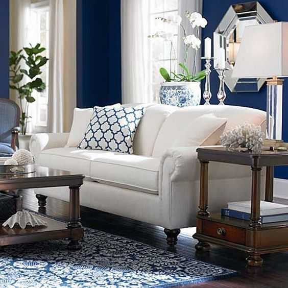 48 Outstanding Home Decor Ideas To Make Your Home Look Outstanding Stylish Home Decorating Designs Family Room Furniture Home Decor Classic Living Room