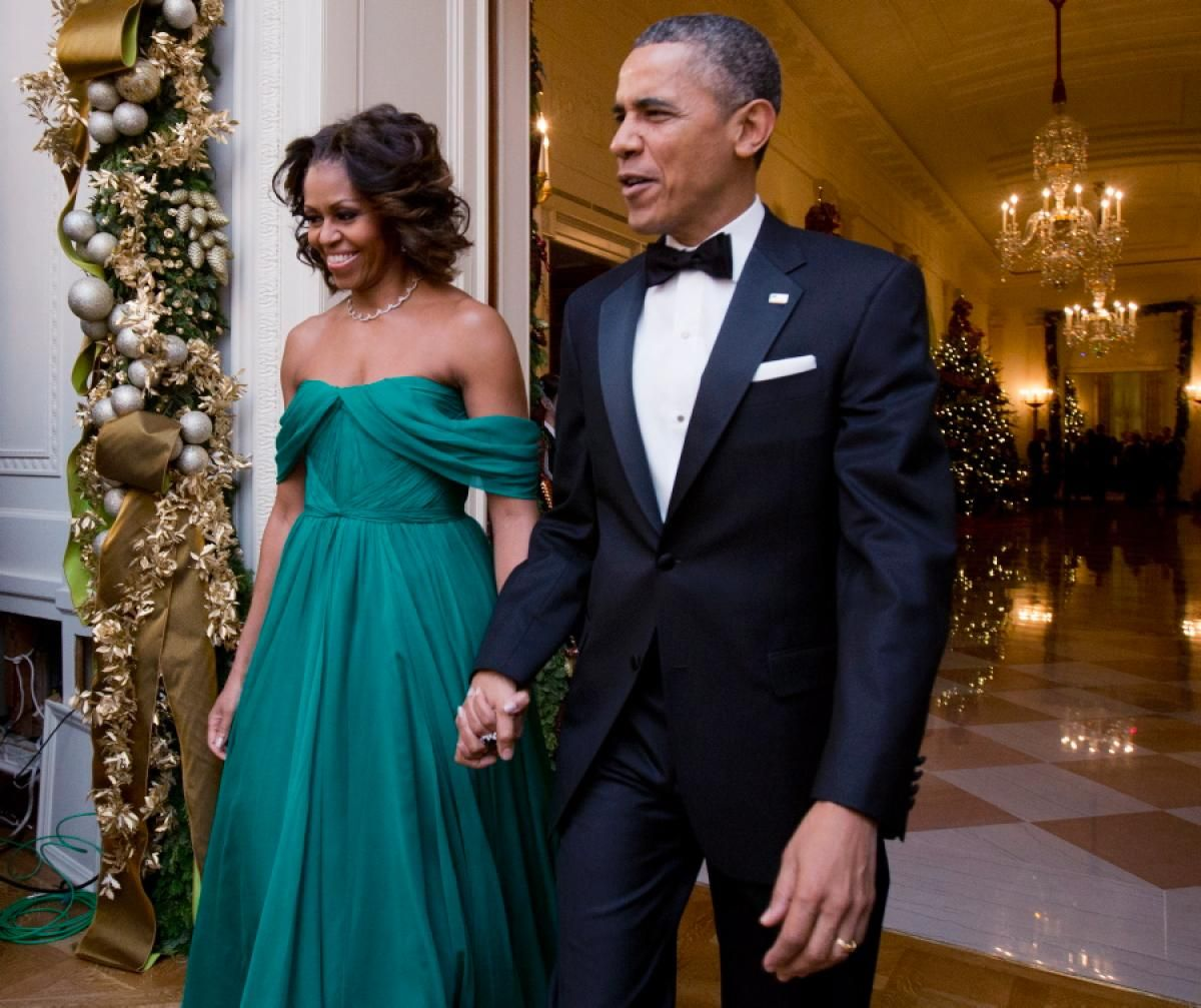 Michelle Obama Wore An Off The Shoulder Green Marchesa Gown For 2013 Kennedy Center Honors Reception In Washington On Dec 8