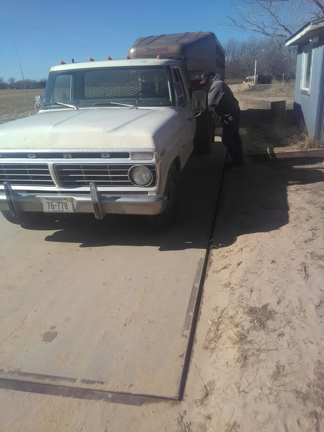 Work Horse For Over 20 Years And Still Strong All Stock 1977 Ford F350 Dually Extra Long Bed Ford Trucks Ford F350 F350 Dually