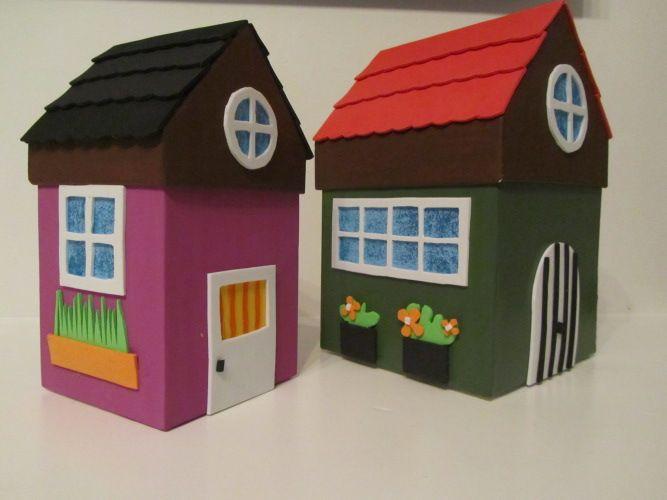 Cajas de cart n decoradas imitando peque as casitas for Aplicaciones decoradas