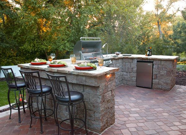 Summer Feasts 5 Dreamy Outdoor Kitchens Outdoor Bbq Kitchen Patio Design Outdoor Grill Area