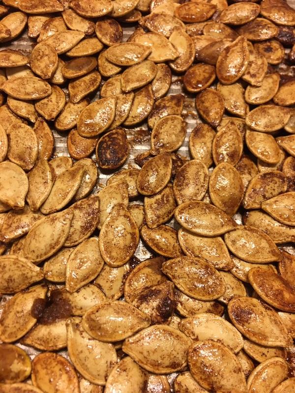 Cinnamon Brown Sugar Roasted Pumpkin Seeds #roastedpumpkinseeds