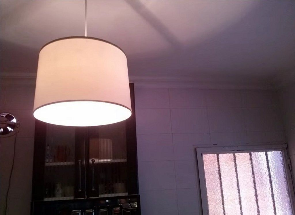 Recicla! Cómo hacer una lámpara de techo con un bote de pintura