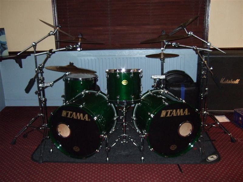 Double Bass Tama Drum Set
