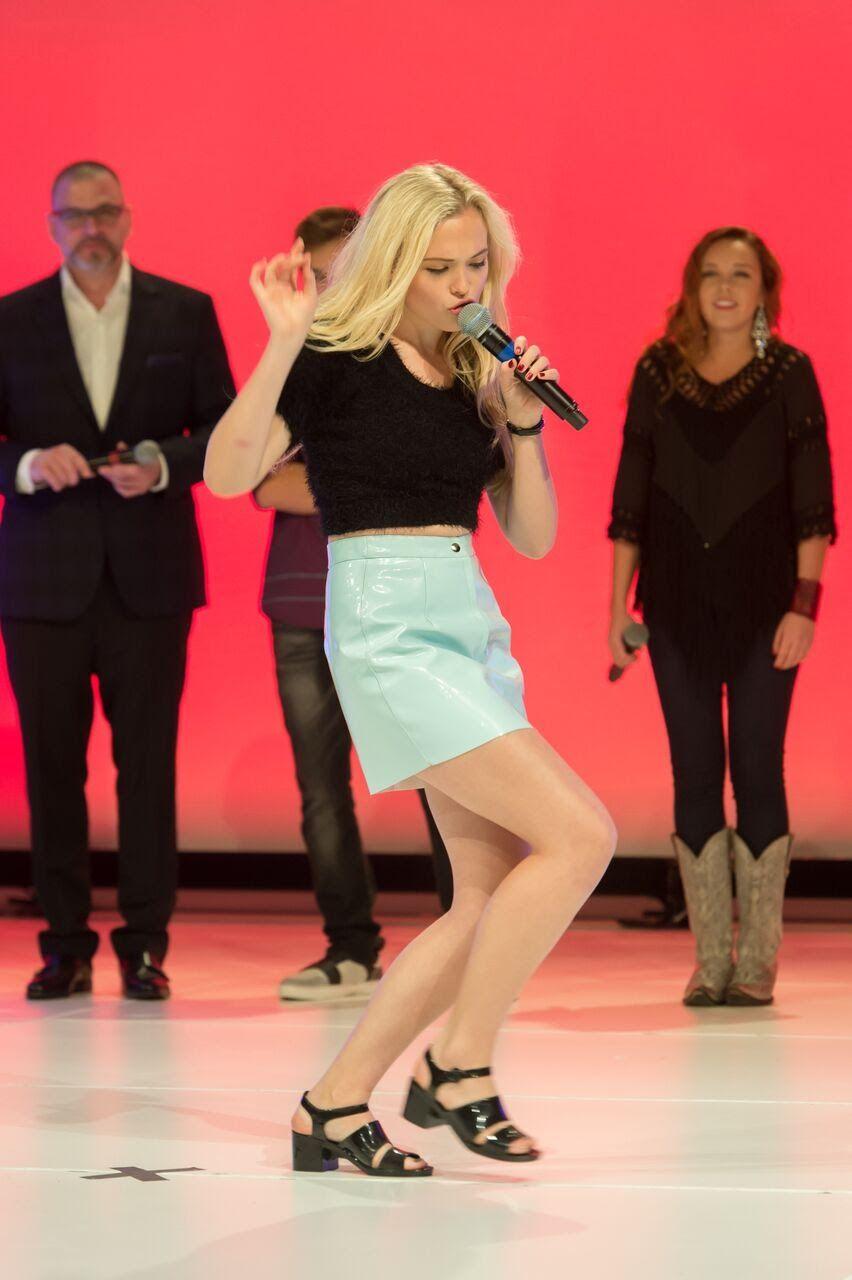 Lauren Taylor Best Friends Whenever Premiere Lip Sync Battle Best Friends Whenever Lauren Taylor Lip Sync Battle