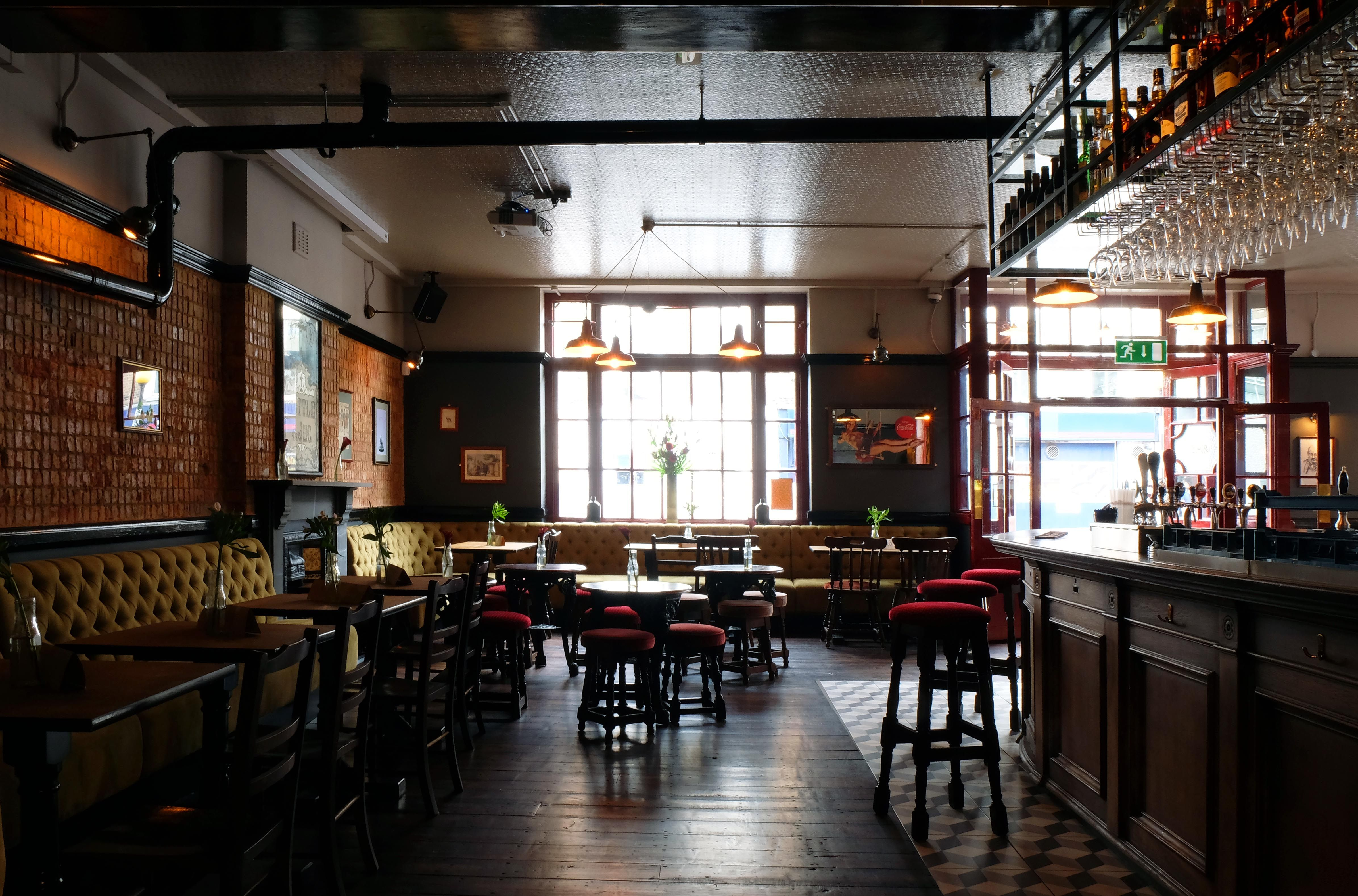 Pub | The Gipsy Queen, Kentish Town | Pub venues | Pinterest | Round bar