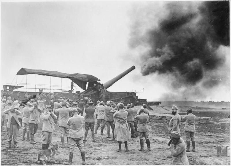 MINISTRY INFORMATION FIRST WORLD WAR OFFICIAL COLLECTION (Q 1433)   12-inch gun on railway mounting, in action; Maricourt, October 1916