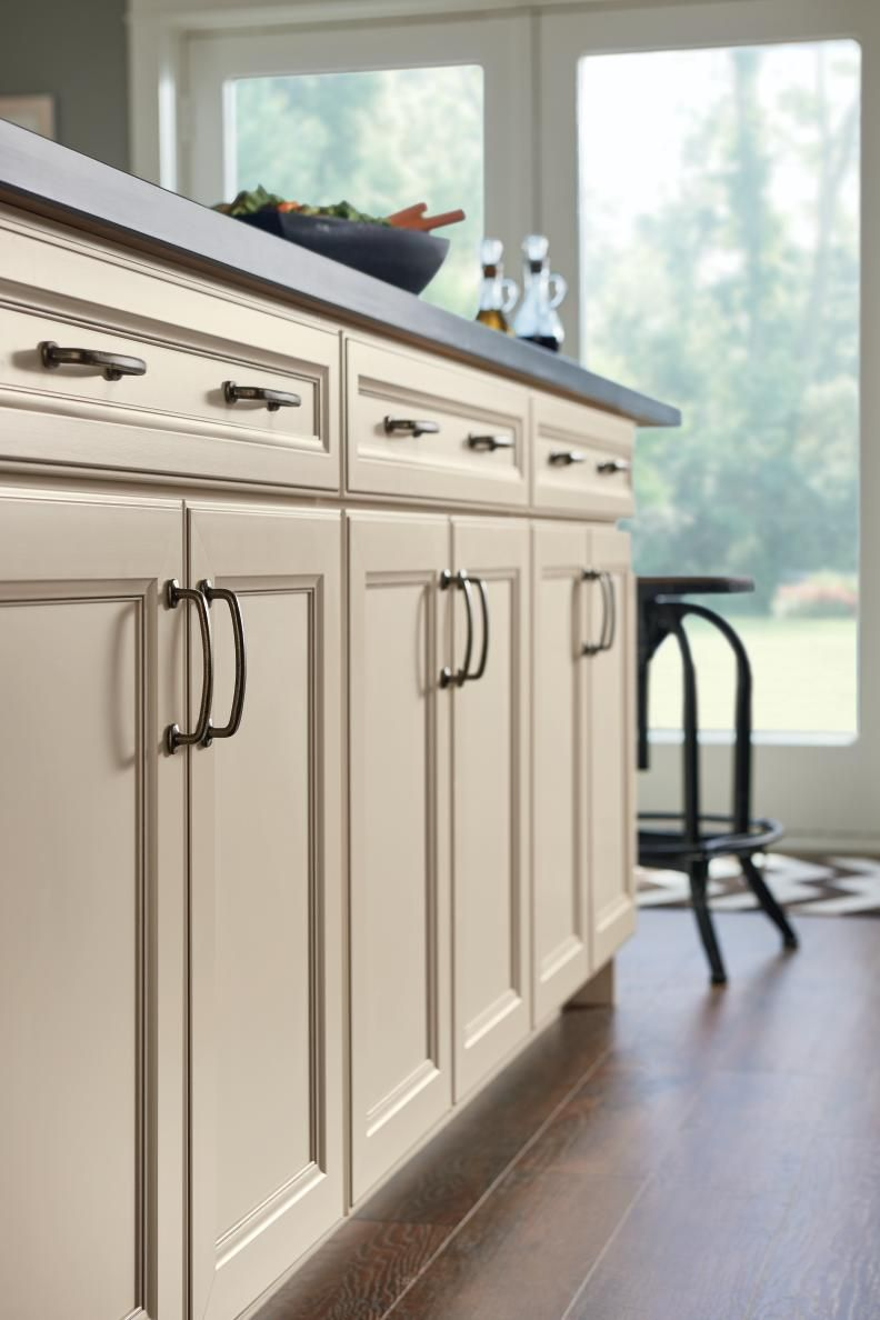 Find These Diamond Now Cabinets At Diamondnow Com Installing Cabinets Installing Kitchen Cabinets Cabinet