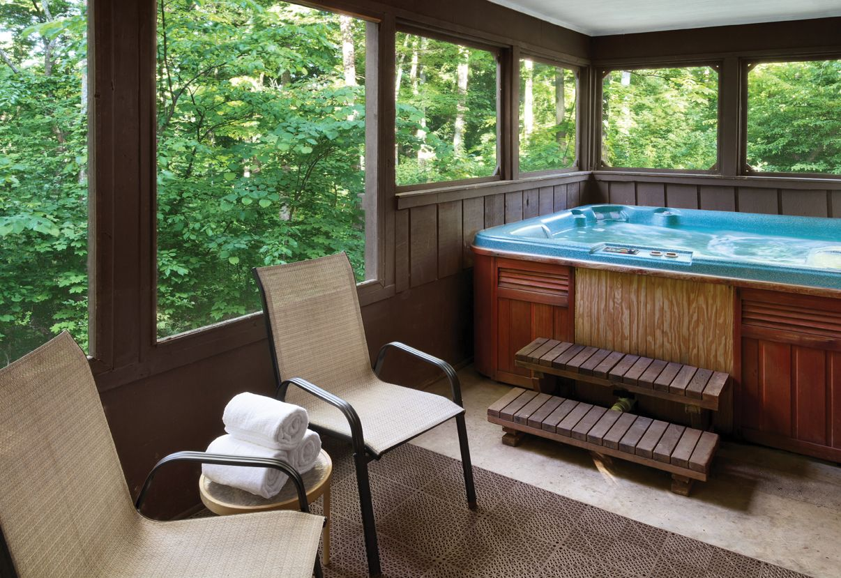 Walled In Porch With Hot Tub Hot Tub Room Hot Tub Outdoor Indoor Hot Tub