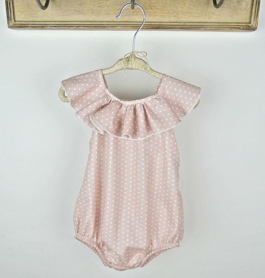 30140374b Ranita Estrellas Rosa en algodón tela muy fina. Diseñado y confeccionado en  España. Tallas de 1 a 5 años. Precio del envío para España.