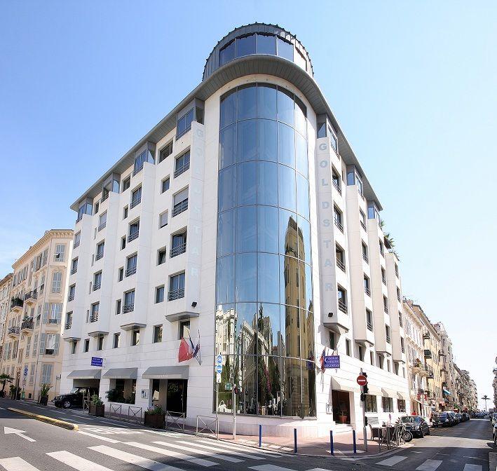 Hotel Goldstar Resort Suites Nice 4 étoiles Situé Au Centre De