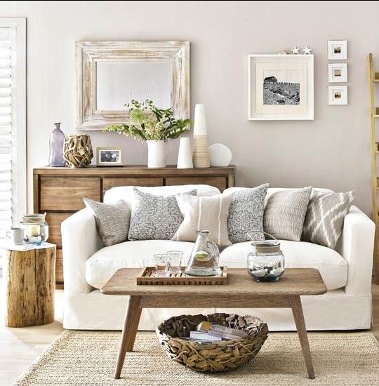 Neutral Coastal Living Room Decor Ideas With A Beach Vibe