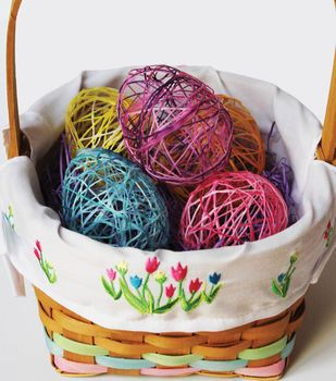 Open Yarn Egg with Candy