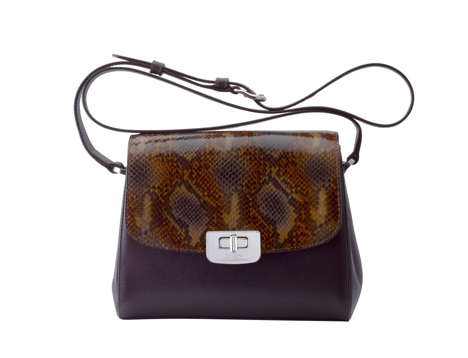 Sofia bag is a sporty–elegant bag, for women of all ages and styles. Designed to be compact but at the same time its inner compartments can easily carry ladies' everyday essentials. Enjoy wearing it comfortably on your shoulder or cross body. Make your choice among duo-tone combinations and animal prints.