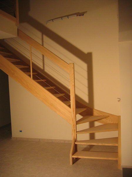 05 03 escalier 1 4 tournant rampe c ble inox espace bois for Eclairage escalier interieur