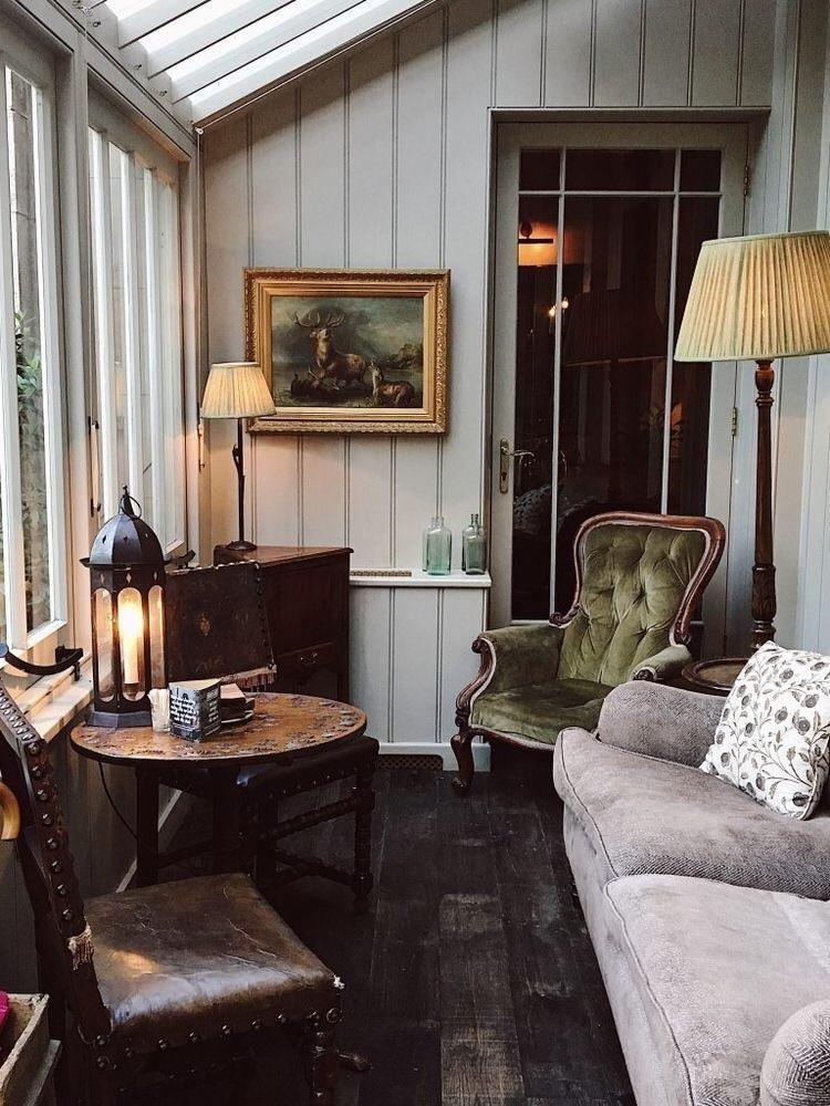 Quiet Cozy Sitting Room Check Out Desigedecors Com To Get More Inspiration Interiordesign Cozyplace Rustic Homedeco Small Sunroom Interior Cheap Home Decor