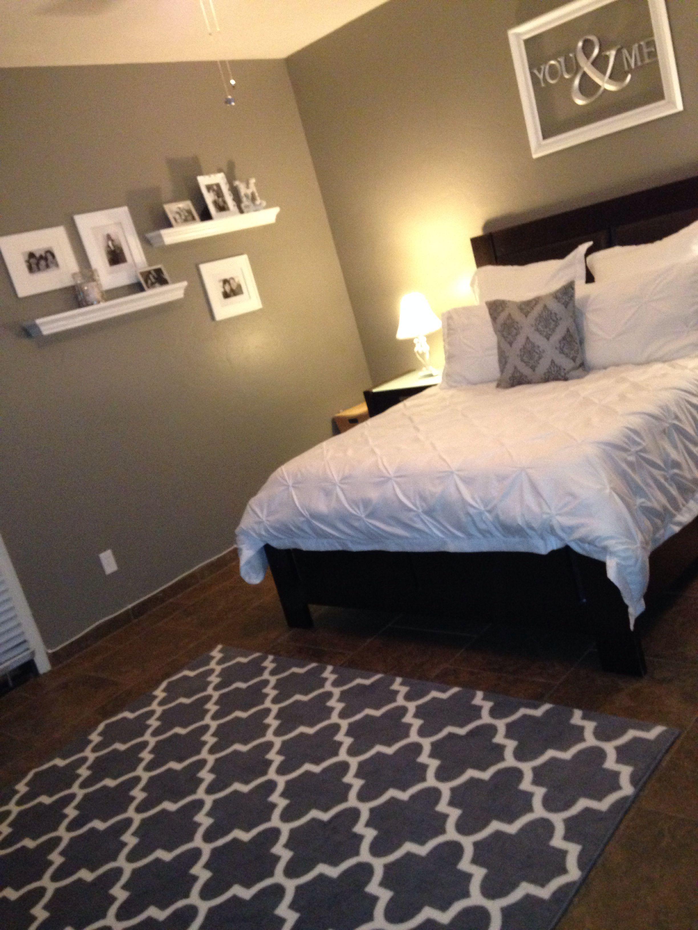 Master bedroom gray  Grey and white bedroom  decoracao almofadas  Pinterest  Bedrooms