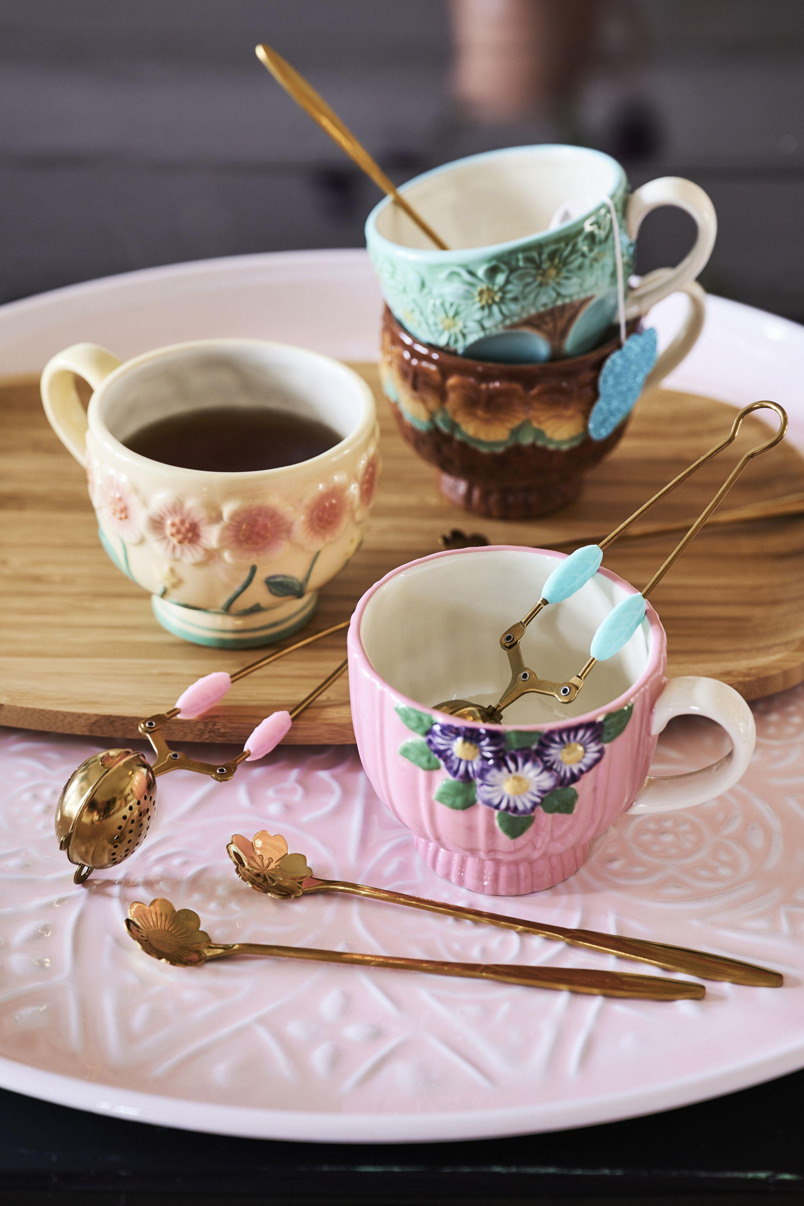 Beautifully Detailed Ceramic Mugs - AW20 in 2020   Ceramic mugs ...