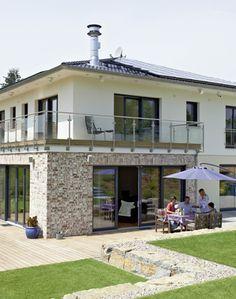 Stadtvilla weiße klinker  Puristische Villa in Hanglage: Zweigeschossig mit ausgebautem ...
