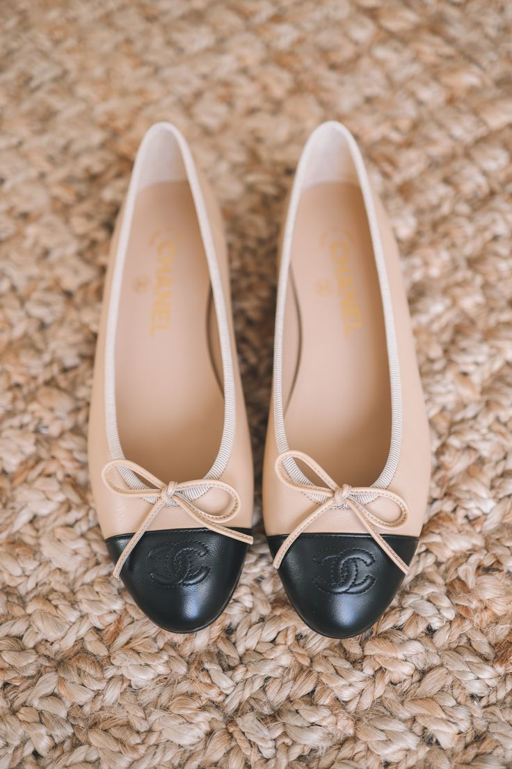 I've personally always been curious about the iconic ballerina flats, so today, I thought I'd review these Chanel Cap Toe Ballerina Flats!