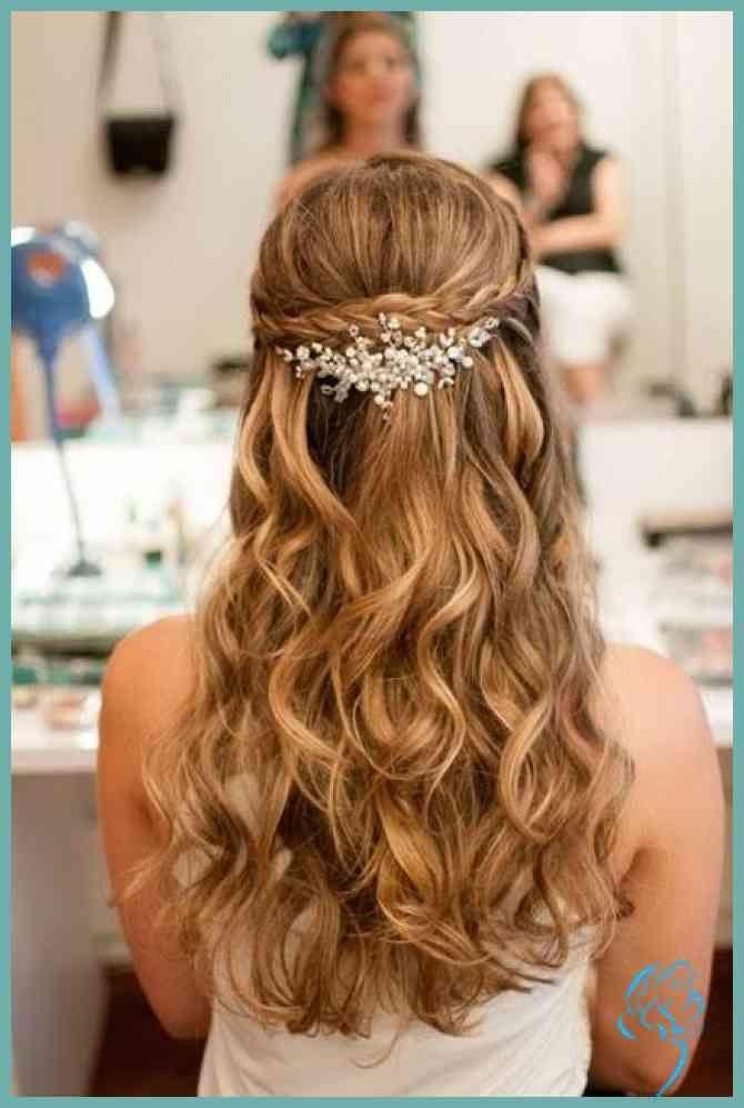 Super 15 Easy Frisuren Die Sie Bei Hochzeiten Feiern Konnen Hair Damen Frisuren Brautfrisur Frisur Hochzeit Hochzeitsfrisuren