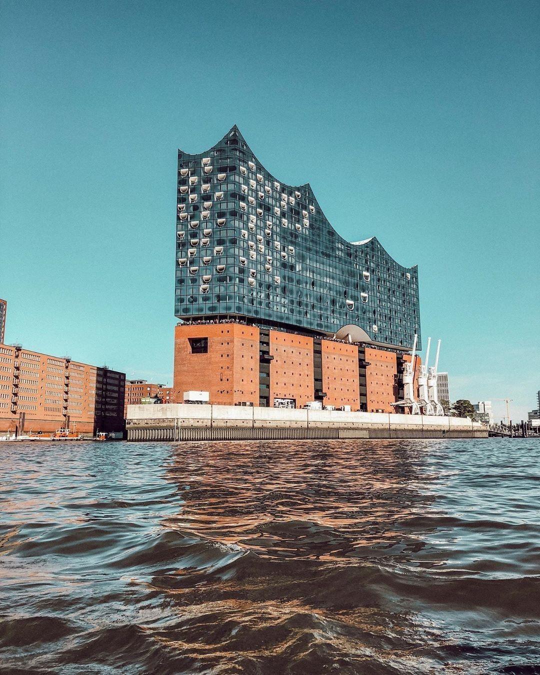 Die Elbphilharmonie In Hamburg Sydney Opera House Opera House Landmarks